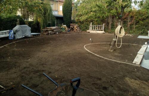 Navezení substrátu - realizace zahrady
